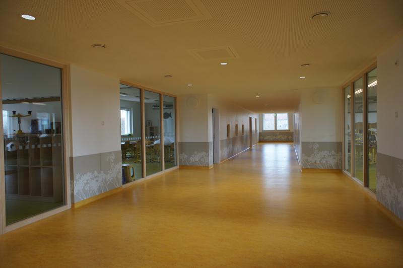 La energía positiva de la escuela se basa en el consumo y producción de energía primaria.