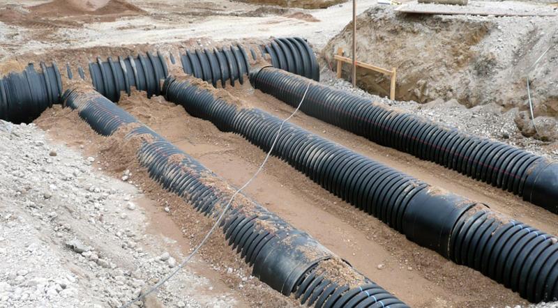 Las tuberías usadas en la escuela están hechas de polietileno.