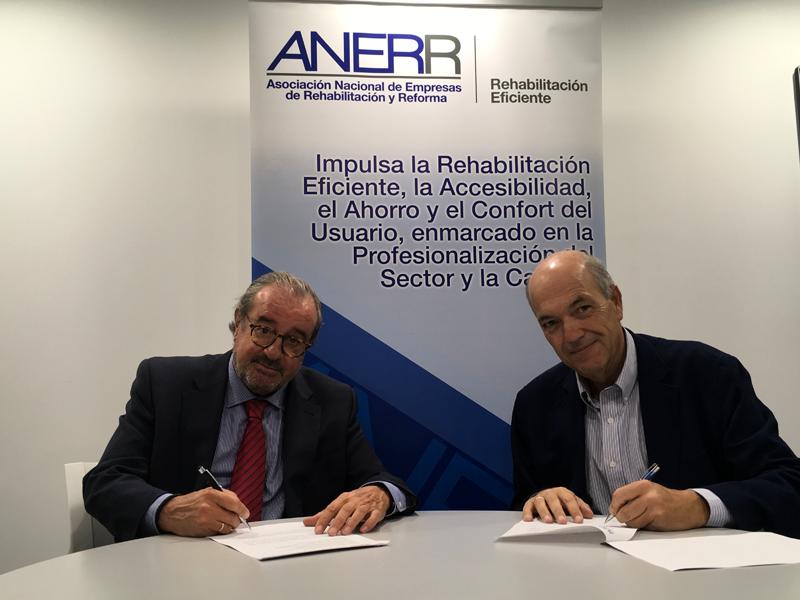 Firma del acuerdo entre ANERR e ISC-CEE.