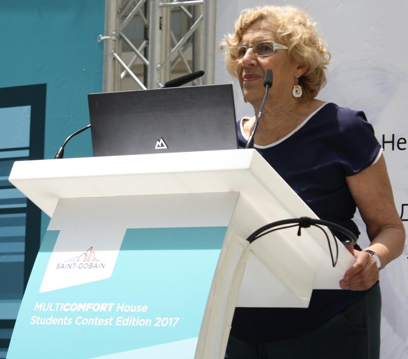 Manuela Carmena clausurando la entrega de premios.