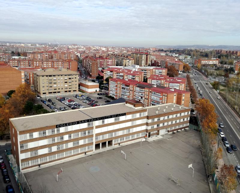El Consistorio dedica 617.500 euros en total, repartidos en dos anualidades, destinados a financiar actuaciones de aislamiento térmico e instalación de energías renovables.