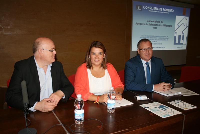 La consejera de Fomento, Agustina García Élez, inaugura las Jornadas Informativas de Rehabilitación Edificatoria en la provincia de Albacete, en la Dirección Provincial de Hacienda y Administraciones Públicas en la Antigua Fábrica de Harinas.