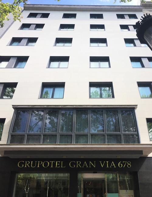 La fachada del Grupotel Gran Vía 678 se ha rehabilitado con el sistema Weber.