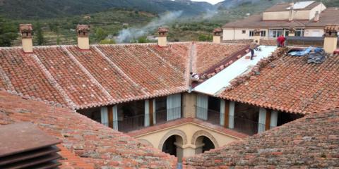 Proyecto de Rehabilitación de la cubierta de la Hospedería Valle del Ambroz de Hervás