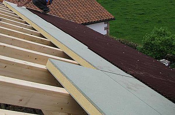 Nuevo panel s ndwich ondutherm con aislamiento ecol gico for Panel de cubierta tipo sandwich