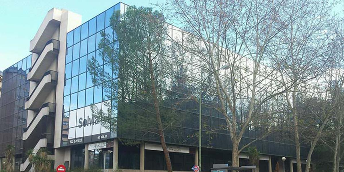 Sareb invierte cuatro millones en la rehabilitaci n for Edificios oficinas madrid
