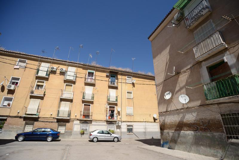 Las viviendas protegidas del barrio de Santa Adela, en Granada, se encuentra actualmente en rehabilitación.