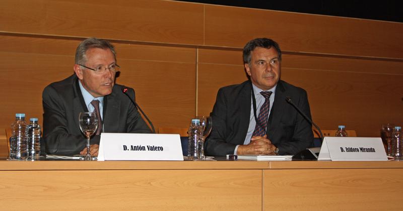 Antón Valero, presidente de CEOE; e Isidoro Miranda, vicepresidente de Oficemen.