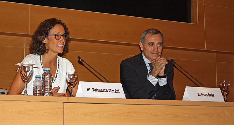 Valvanera Ulargui, directora general de la Oficina Española de Cambio Climático; y Jesús Ortiz, presidente de Oficemen.