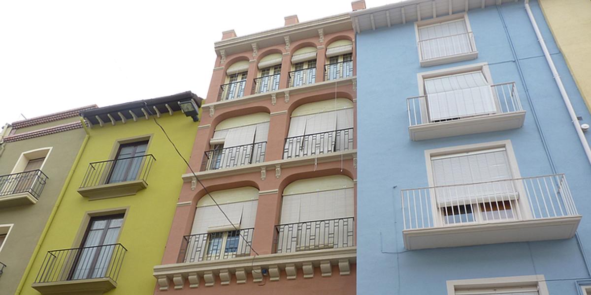 El ayuntamiento de barbastro destina ayudas para la rehabilitaci n edificatoria y pintado de - Pintado de fachadas ...