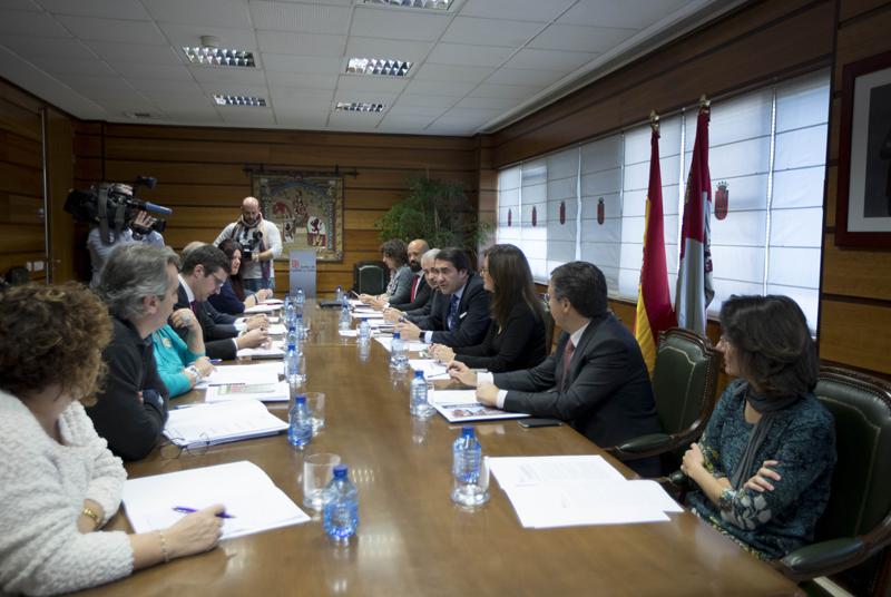 Reunión con la Mesa de Diálogo Social.