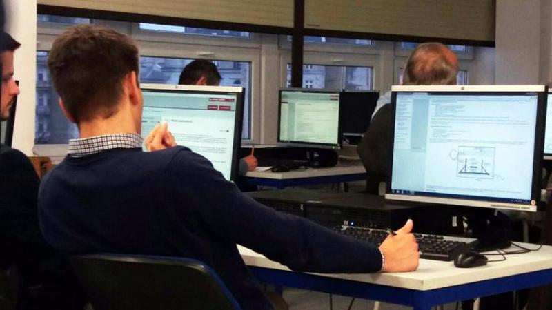 Alumnos de la Universidad de Varsovia testean la plataforma Lean.Co.