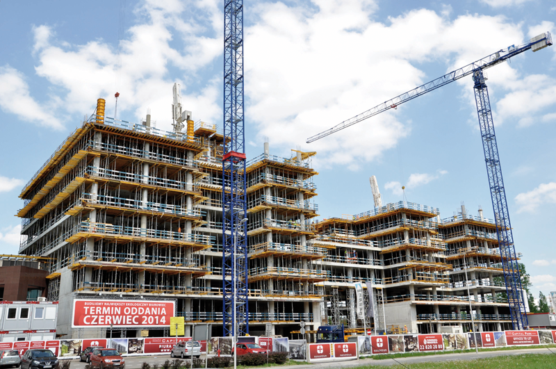 ULMA ha participado en el proyecto de construcción del Complejo EuroCentrum de Polonia, diseñado según normas de edificación sostenible.