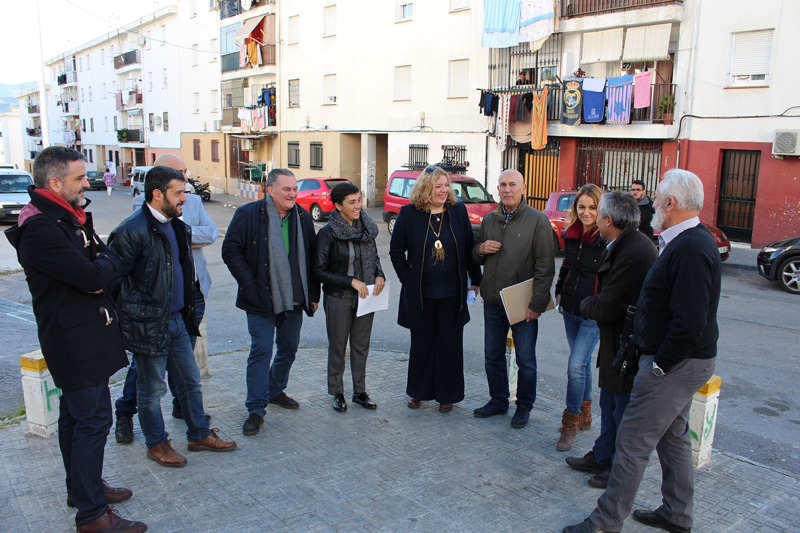 Visita de la delegada al barrio motrileño Huerta Carrasco.