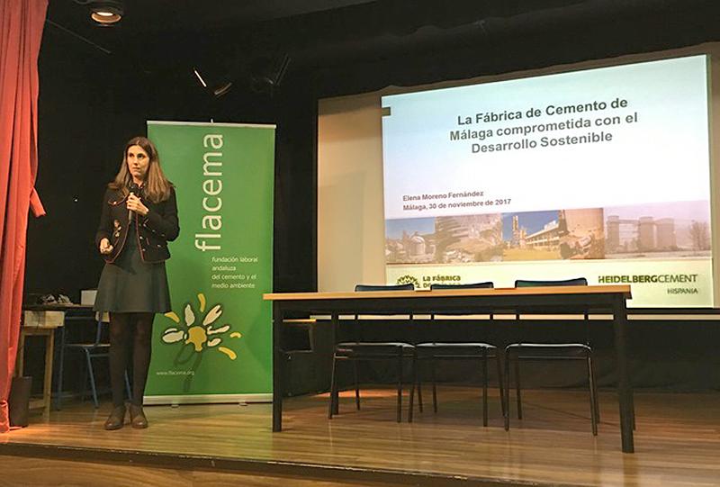 Ambas entidades han explicado a los alumnos del IES Bezmiliana la contribución que el sector cementero realiza con el Medio Ambiente.