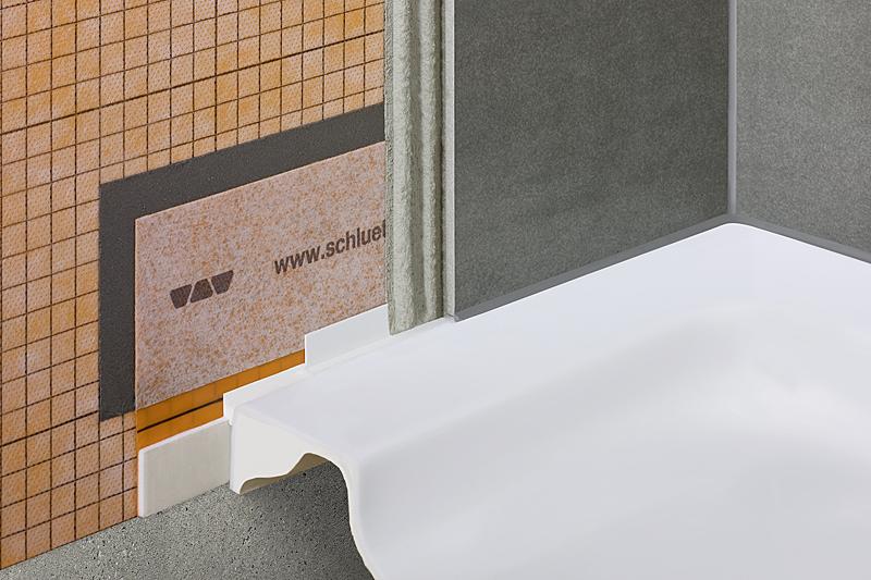 Schlüter-KERDI-TS contiene todos los componentes necesarios para la conexión segura de la impermeabilización KERDI a bañeras y platos de ducha.