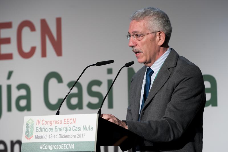 Luis Vega, conferencia magistral en el IV Congreso Edificios Energía Casi Nula.