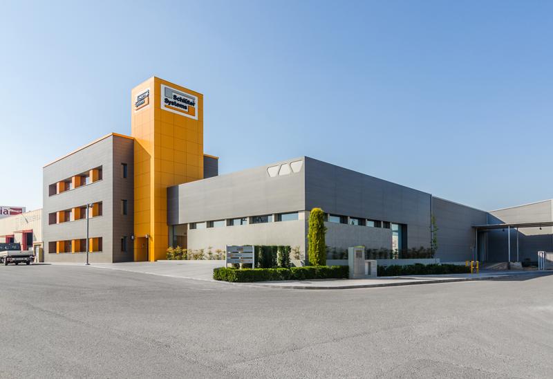 Edificio Schlüter-OrangeBox en Onda (Castellón).