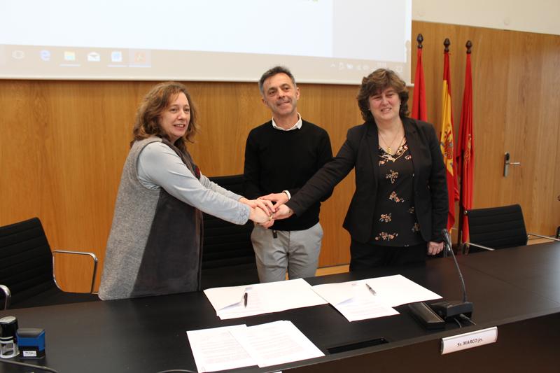 Firma del acuerdo entre el Gobierno de Navarra y el Ayuntamiento del Valle de Egüés.
