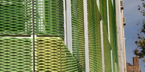 Ahorros energéticos en edificios con muro cortina de vidrio y doble piel metálica