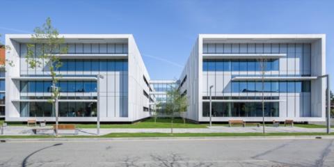 Incidencia del control solar y aprovechamiento de la luz natural en el consumo energético de los hospitales