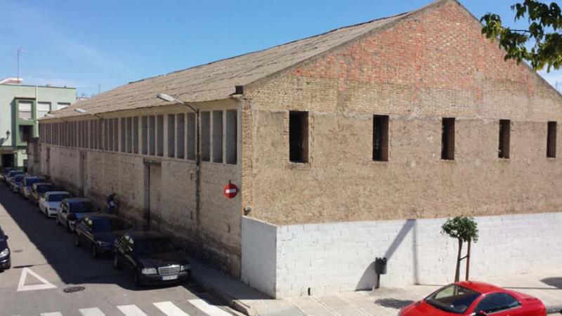 Fachada del edificio de Alzira