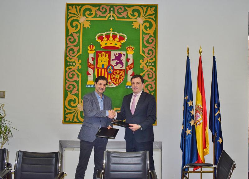 Firma de acuerdo de Escuelas que cuidan entre Saint-Gobain y FEMP