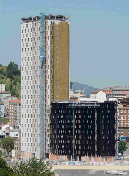 Edificio con aislamiento de lana de roca