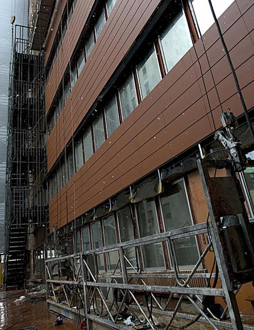 Fachada de edificio en rehabilitación
