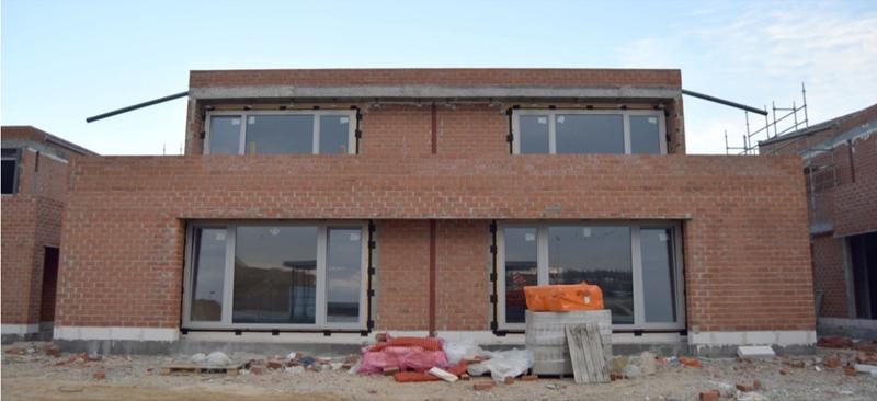 Imagen 5. Ejecución de cerramientos e instalación de carpinterías.
