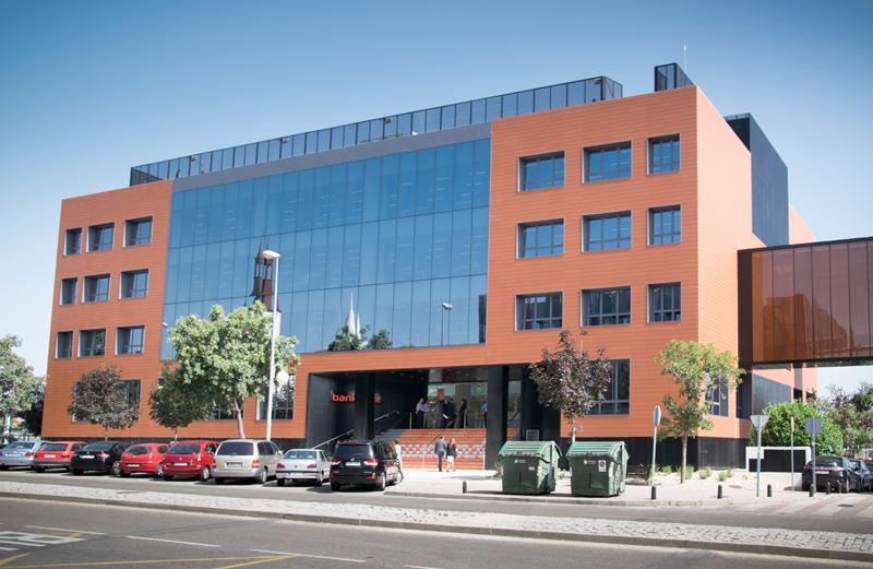 Fachada del edificio de Bankinter en Alcobendas