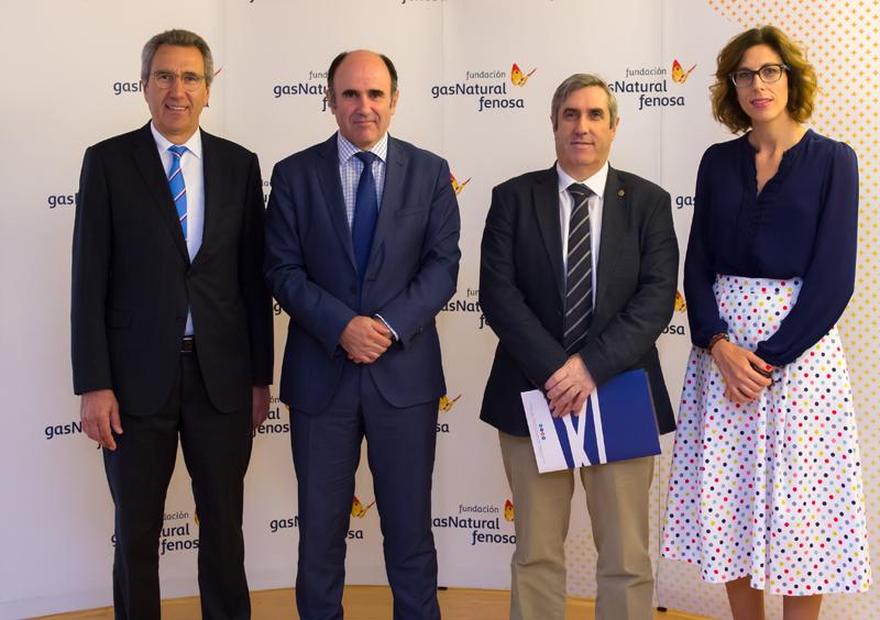 Foto de familia seminario Dimensiones económicas del nuevo modelo energético en España