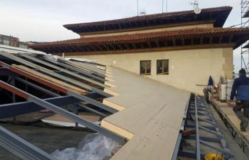 Instalación de cubierta en la estación de tren de Oviedo