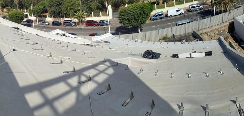 Sistemas antiempuje de la cubierta ajardinada del hotel GF Victoria