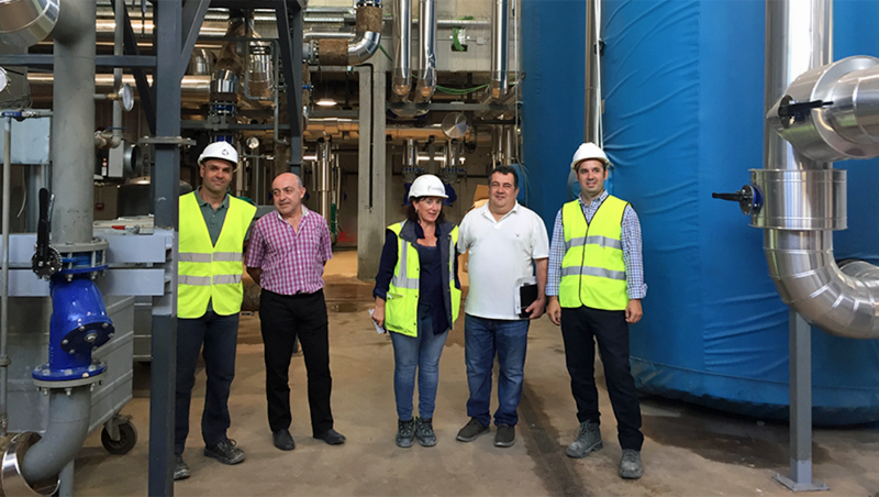 Visita de autoridades al ecobarrio de Txomin Enea de Donostia-San Sebastián