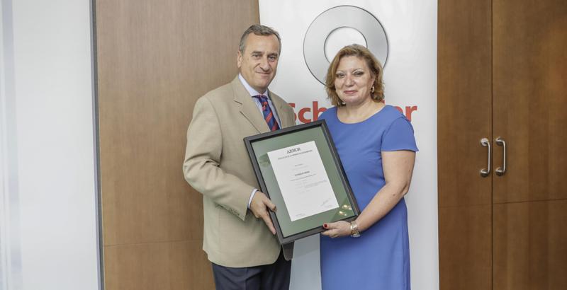 Acto de entrega de certificación de AENOR a Schindler Iberia