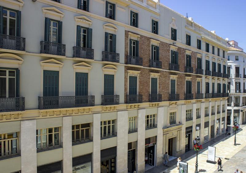 Fachada del edificio de Marqués de Larios 4 en Málaga
