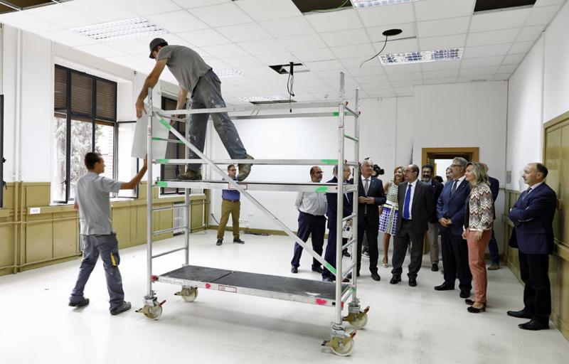 El presidente del Gobierno de Aragón, Javier Lambán, ha visitado esta semana la Facultad de Filosofía y Letras