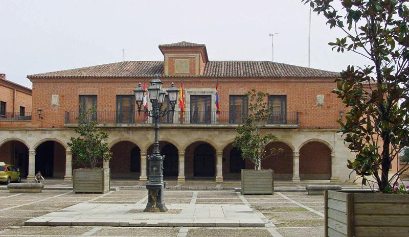 Exterior del Ayuntamiento de Un total de 125 viviendas serán rehabilitadas dentro del nuevo ARU Ciudad de los Almirantes en Medina de Rioseco