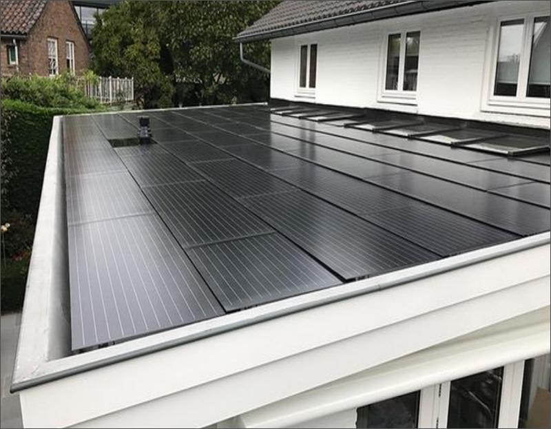 Paneles solares fotovoltaicos sobre viviendA