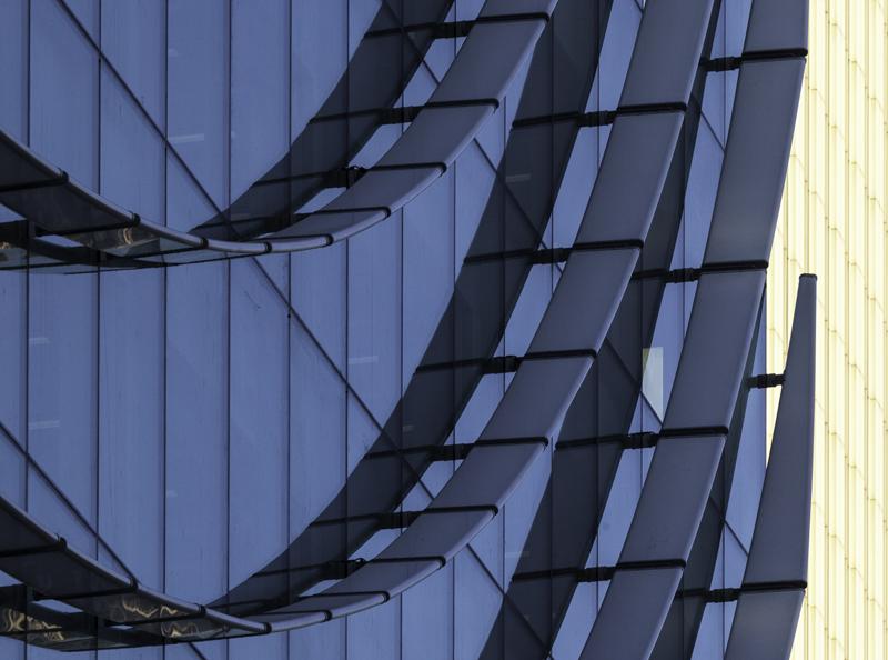 edificio cristalera