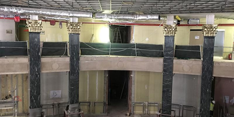 columnas interior edificio en obras