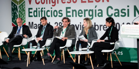 Mesa redonda Más allá de los Edificios de Energía Casi Nula: el reto de los Edificios de Energía Positiva