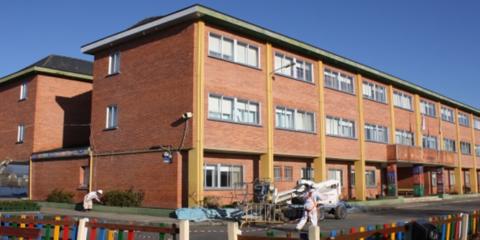El impacto ambiental de las estrategias de rehabilitación energética en edificios escolares de consumo casi nulo