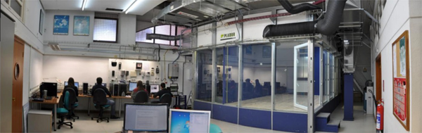 Figura 1. Cámara de ensayo estanca en Laboratorio de Ventilación HS3 de la ETSA Universidad de Valladolid.