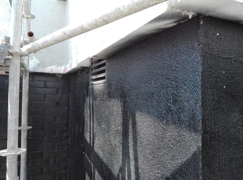 Figura 4. Hermeticidad al aire: Se ha aplicado sobre la piel existente exterior una pintura hermética al aire.
