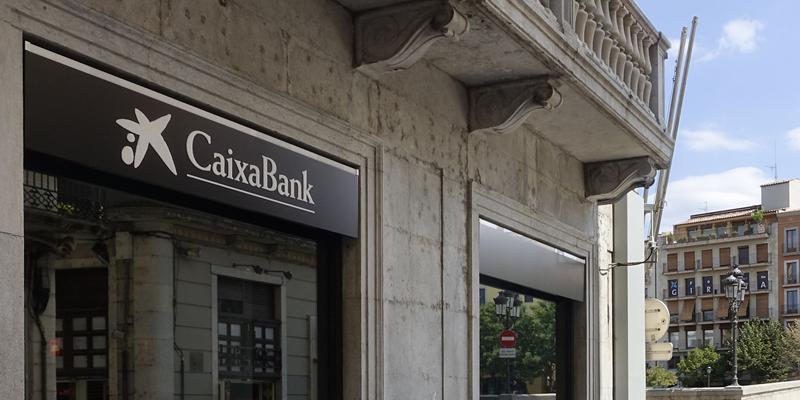 fachada caixabank fondos bei