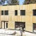 Estructura de madera y materiales naturales en una nueva vivienda biopasiva de Castelldefels