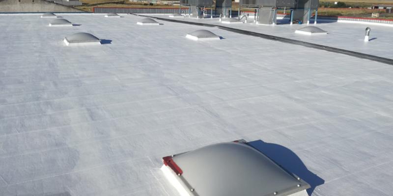 Rehabilitación eficiente de cubierta en la fábrica de Pablosky.