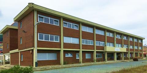 Rehabilitación energética de un centro escolar con criterios de consumo casi nulo en la costa cantábrica